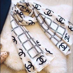 🎀 Chanel 💯%Silk Scarf/Wrap 🎀